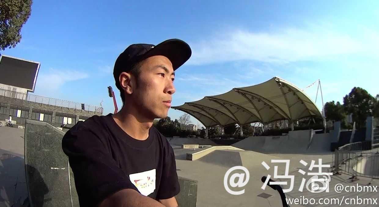 贵州车手冯浩在SMP踩车小视频